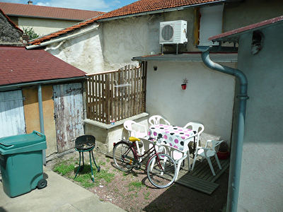 Beau T2 de 40m² - cour privative - cave - Secteur Clermont
